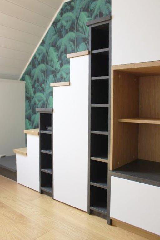 Louarn Intérieurs Bibliothèque escalier